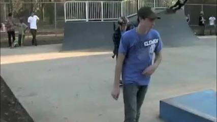 По смешен и прост скейтър не сте виждали !!