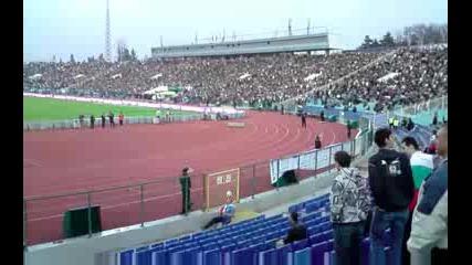 Луд фен на мача България Кипър(владее топките)