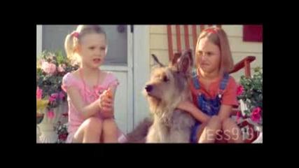 Dakota&elle Fanning Hands