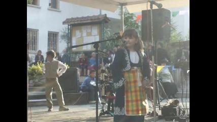 Румяна Чукалова-надпеват се малки моми