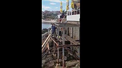 Незаконно строителство на скалите в Созопол