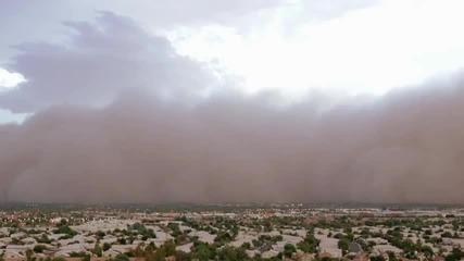 Пясъчната буря на по-бърз кадър !!! Срахотна стихия