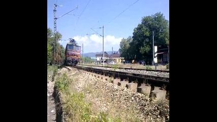 45.162 с товарен влак през сп. Кумарица