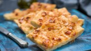 Плосък хляб с пушен бекон и лук | Бон Апети | 24Kitchen Bulgaria