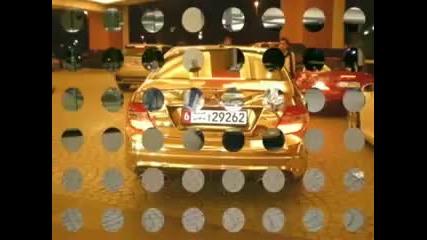 Позлатен Mercedes Amg