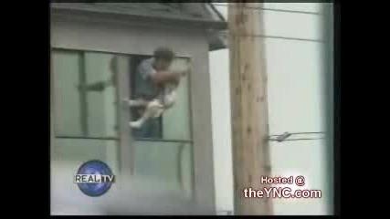 Мъж Заплашва Да Убие Детето Си За 1 Бира