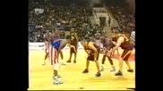 Стар на баскетболният отбор Harlem Globetrotters как буквално се гаврят с руски отбор !! Смях