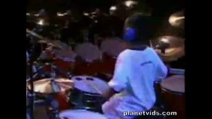 Друг малък барабанист