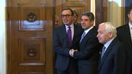 Четирима президенти обсъждат политиката
