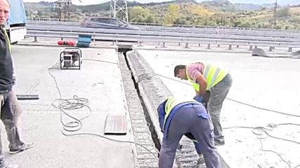 Започна ремонтът на горелия мост край Дупница