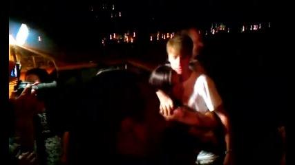 Джъстин Бийбър зарадва фенове на сватба в Малибу ( 18. 07. 2011 )