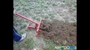 Униврсално градинарско съоръжение ( Мотика § Лопата )