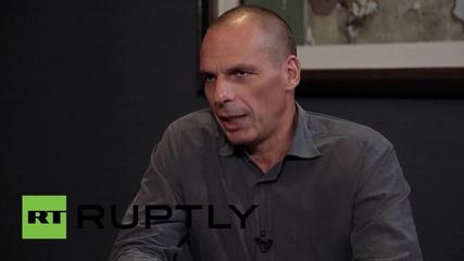 UK: Varoufakis gives advice to Corbyn, explains Troika's treatment of Greece