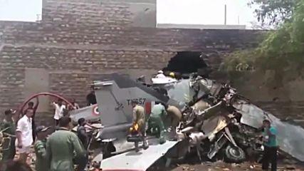India: MiG-27 fighter jet crashes in Jodhpur