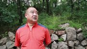China: Stone-cold slimming! Man loses 30kg by putting ROCK on his head