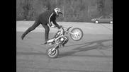 Crazy pitbike stunts !