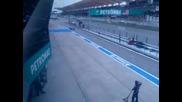 Така го правят! Смяна на гуми за 4 сек. Pit Stop , 2011 F1