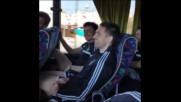 Ретро: Божинката пее в автобуса на Партизан