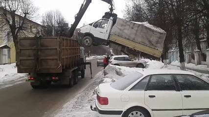 Паяк в Русия събира камиони за скрап