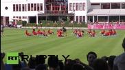 Германия: 2,500 фена гледат тренировката на Байерн Мюнхен