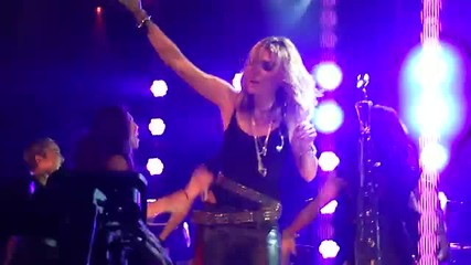 Miley Cyrus - Party In The Usa {live at House of Blues in L.a}