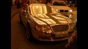 Позлатено Bentley