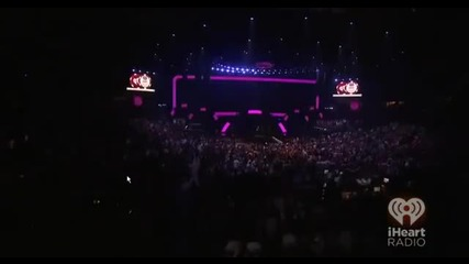 Bon Jovi - Who Says You Can't Go Home & Bad Medicine_shout - iheart Radio Festival 2012 (3_3)