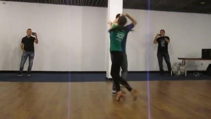 Workshop 8 - Ilia & Desy (los Pambos) - Salsa on 2