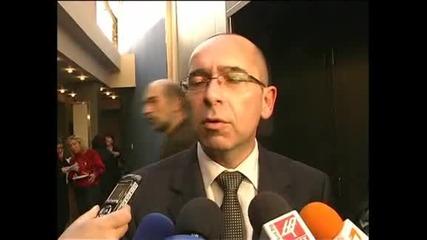 Здравният министър коментира проблема със спешните кабинети