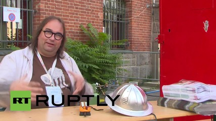 "Germany: ""Kevin"" the flame-throwing TRANSFORMER heats up Berlin's Maker Faire"