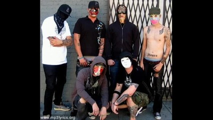 Hollywood Undead - Undead + Lyrics