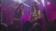 Slash feat. Myles Kennedy & The Conspirators - Bent to Fly