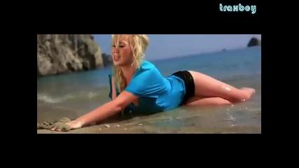 Deepcentral ft. Xonia - Hold On ( Официално Видео )
