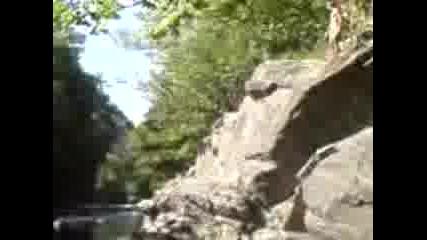 На Реката Си Правим Голям Кеф С Приятели
