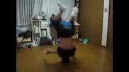 Break Dance Vurtene Na Glava ... Lud E