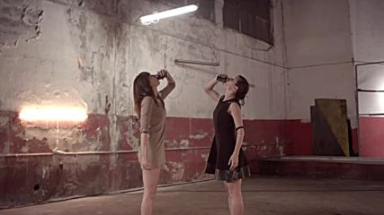 Може Да Изляза .. Antonis Remos Ft. Manos Pirovolakis - Mpori Na Vgo Official Music Video Hd