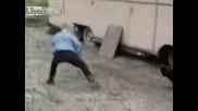 Кокошка vs. Момче Ninja