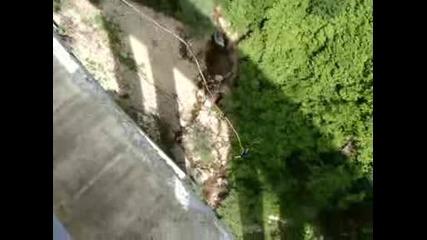 Бънджи на Клисура - Теди скача в несвяст :)