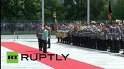 Germany: Merkel welcomes Kosovan PM Mustafa with military honours