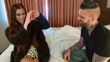 Carmella and Corey Graves make up: Total Divas, Oct. 15, 2019