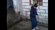 Shefat go nqma i obshtacite chinat v selo vasil levski - Cheterimata glupaci