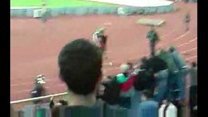 Иванков си хвърля тениската