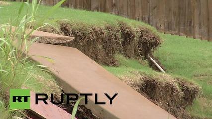 """Далас е ударен от наводнение тип """"Цунами"""""""