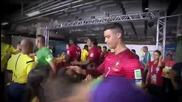 Роналдо обръща внимание на деца | Бразилия 2014