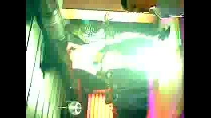 Яка Кака Танцува Във Дискотека