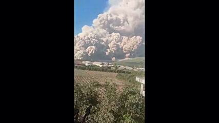 Indonesia: Mount Sinabung spews out five-kilometre column of ash in North Sumatra
