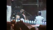 Onew (shinee ) Accident - he faintes - Fan Cam