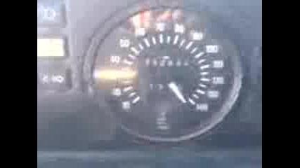 Мерцедес 207 Д лети с 160 км/ч лудница