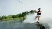 С водни ски и самолет