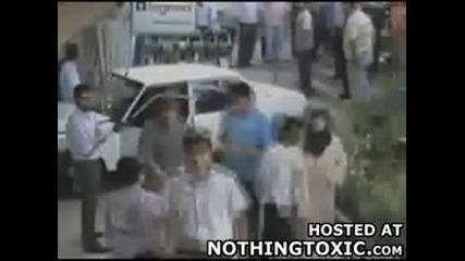 шофьор за малко не убива дете